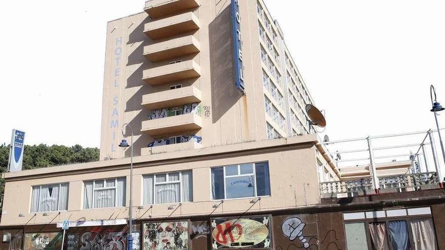 El Concello cifra en 13,6 millones la reconstrucción del hotel Samil y fija su apertura a finales de 2020