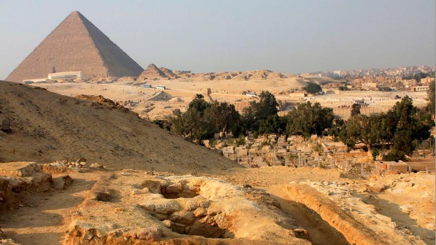 Viajar por el Antiguo Egipto con el 'pasaporte' de una recopilación única