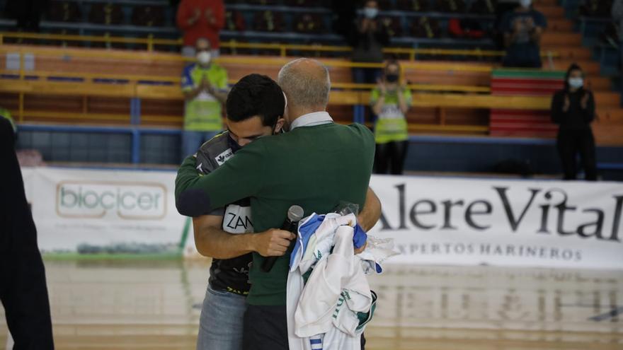 VÍDEO | Octavio Magadán, ovacionado en el homenaje del Balonmano Zamora