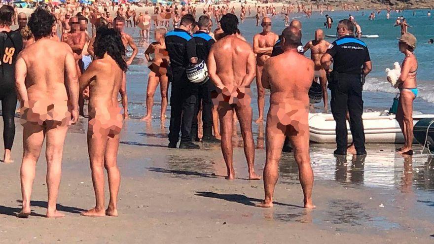 Pelea a remazos entre bañistas y tripulantes de una zodiac