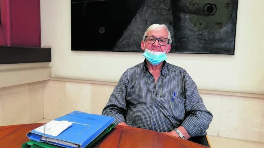 Un veí de Sils denuncia que fa més de tres anys que no té dents