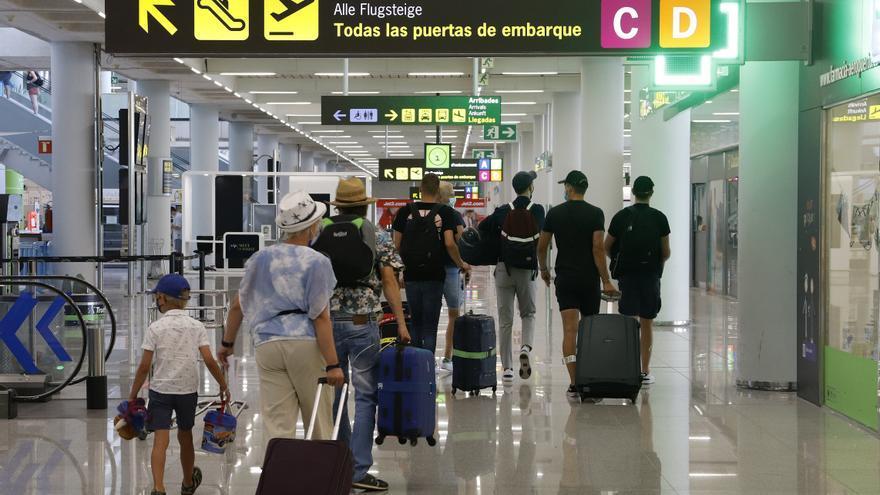 El TCE denuncia perjuicios sobre los derechos de los pasajeros aéreos en la pandemia