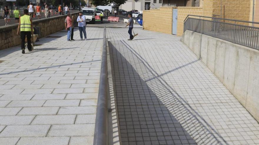 Aspecto actual de la plaza de la Puentica.