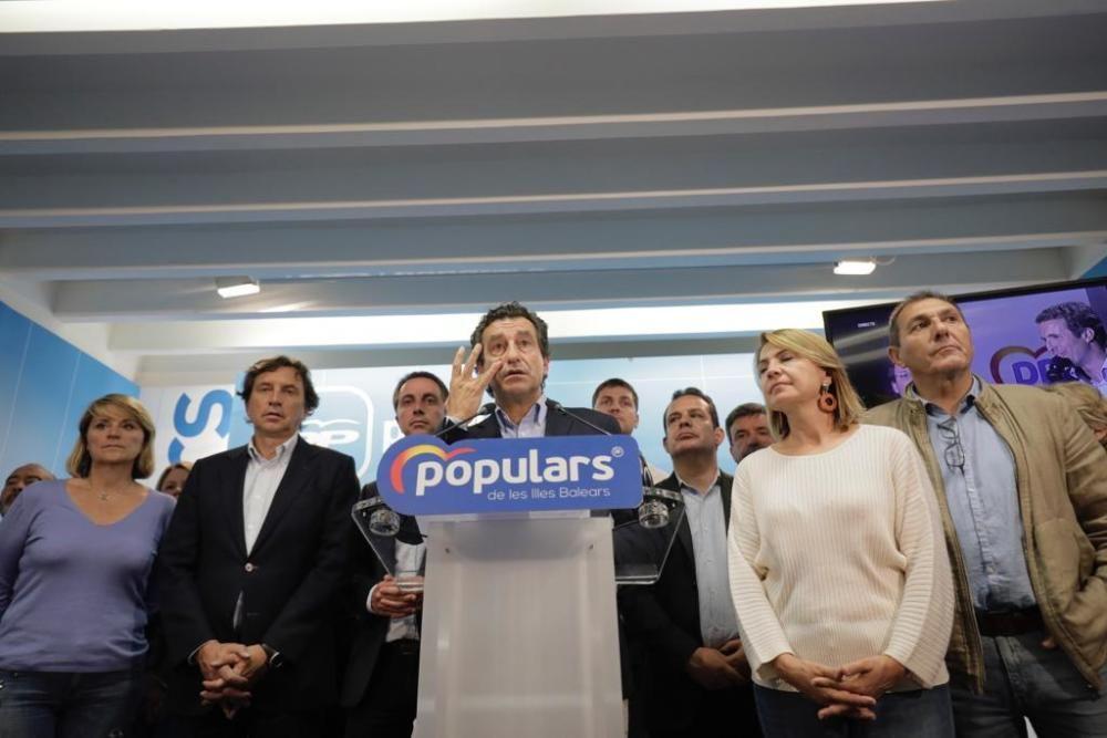 Los candidatos siguen la noche electoral