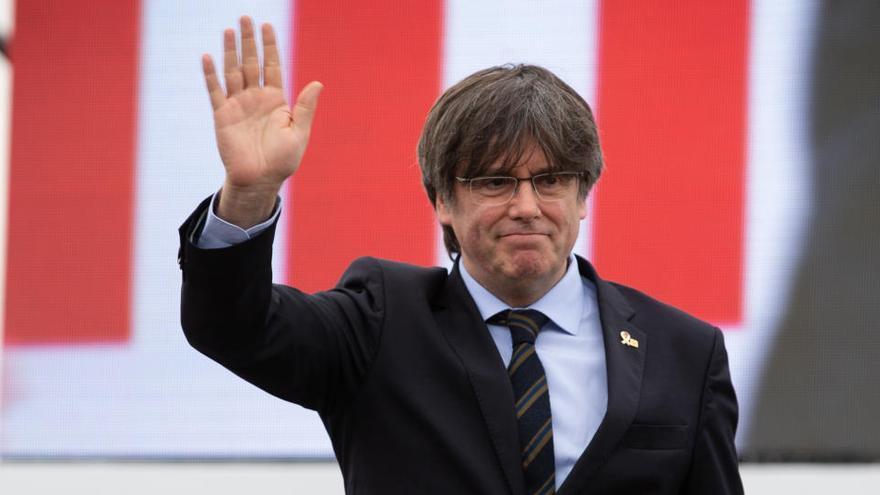 Puigdemont anuncia la creación de un partido al margen del PDeCAT