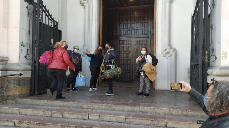 Cinco hosteleras de Mieres se encierran en la iglesia de San Juan