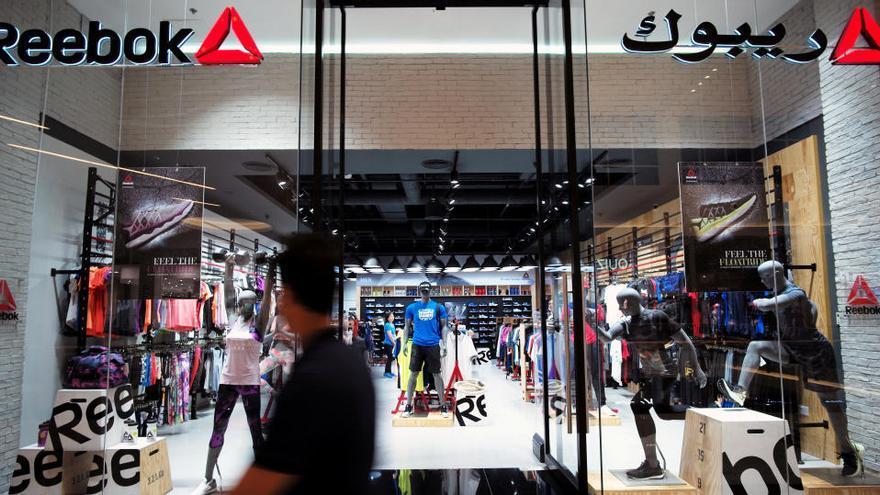 Adidas venderá su filial Reebook