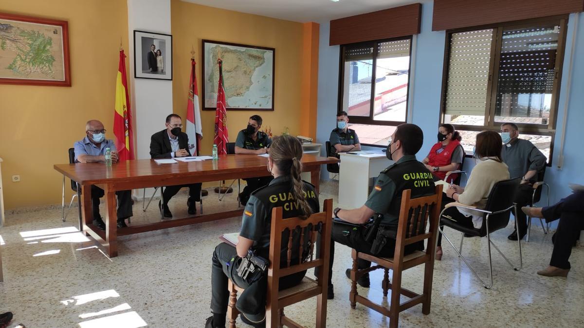 Reunión en Figueruela de Arriba sobre la problemática de las personas mayores desaparecidas