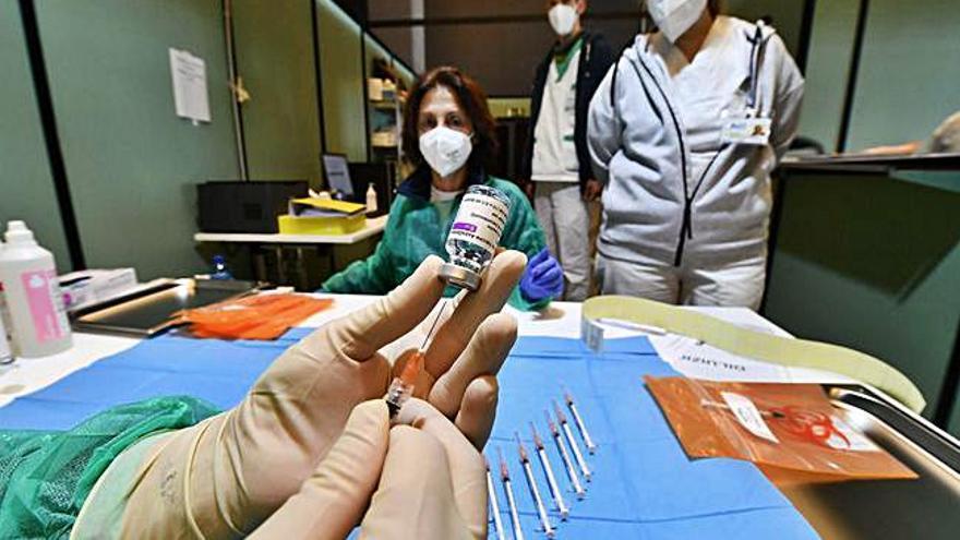 La OMS alerta de los riesgos de la cuarta ola de la epidemia y pide más restricciones