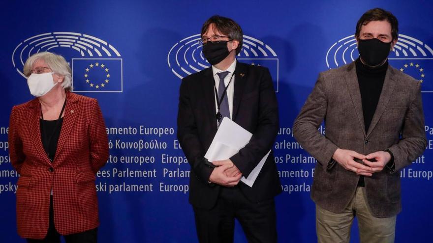 Puigdemont, Comín i Ponsatí, a un pas de perdre la immunitat
