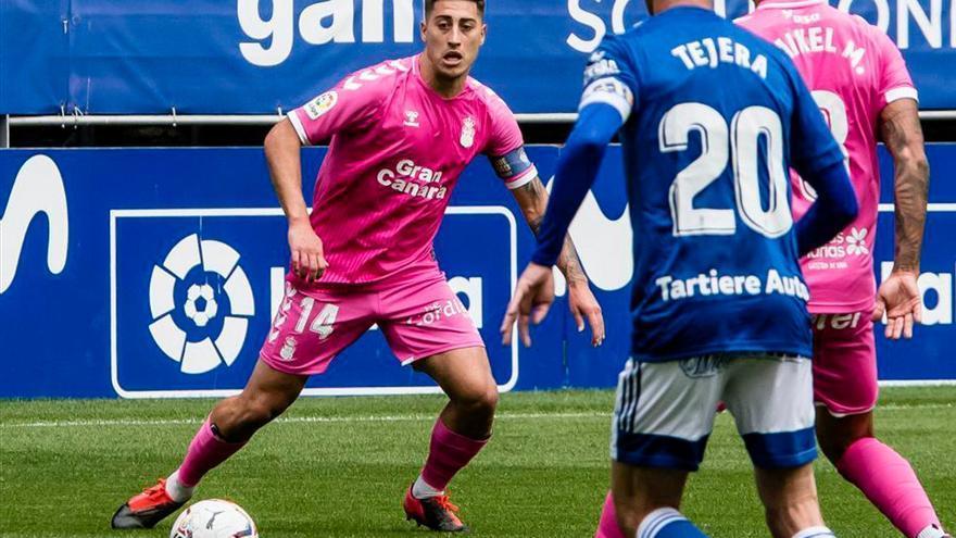 Álvaro Valles evita el desastre de la UD Las Palmas frente al Oviedo (0-0)