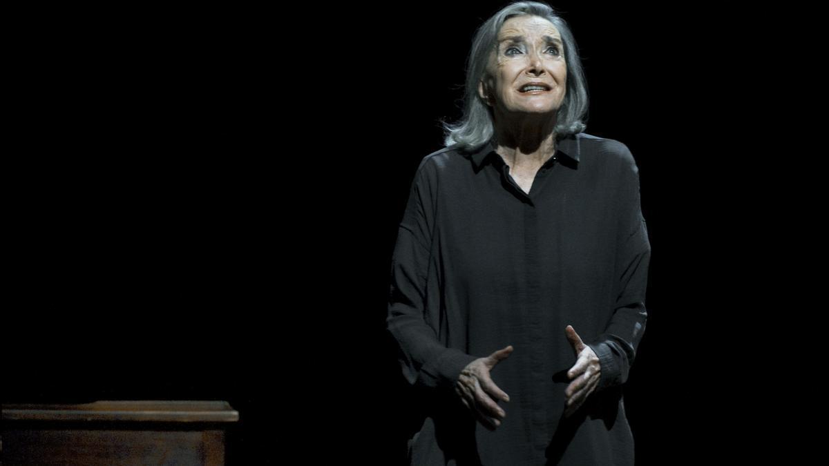 Nuria Espert, en una representación