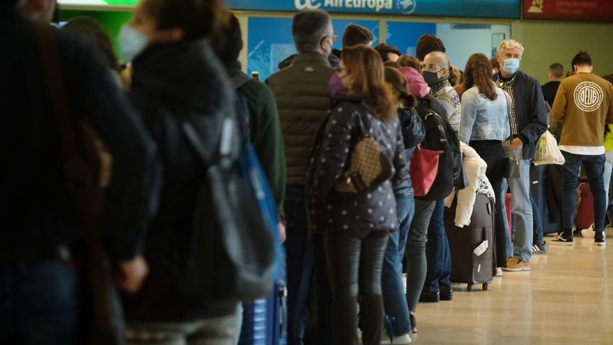 El cierre de Barajas impide a miles de canarios regresar a Madrid
