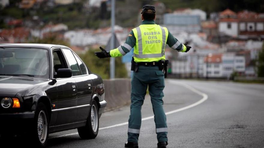 """Detenido con un permiso de conducción de la """"República Errante Menda Lerenda"""""""