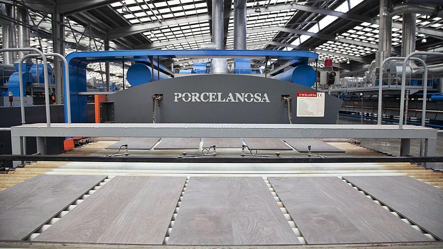 Porcelanosa e Iberdrola trabajarán unidas en la descarbonización azulejera