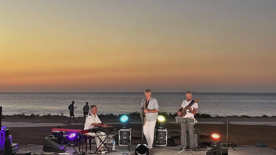 Seis semanas de música en el nuevo escenario de Caló de s'Oli