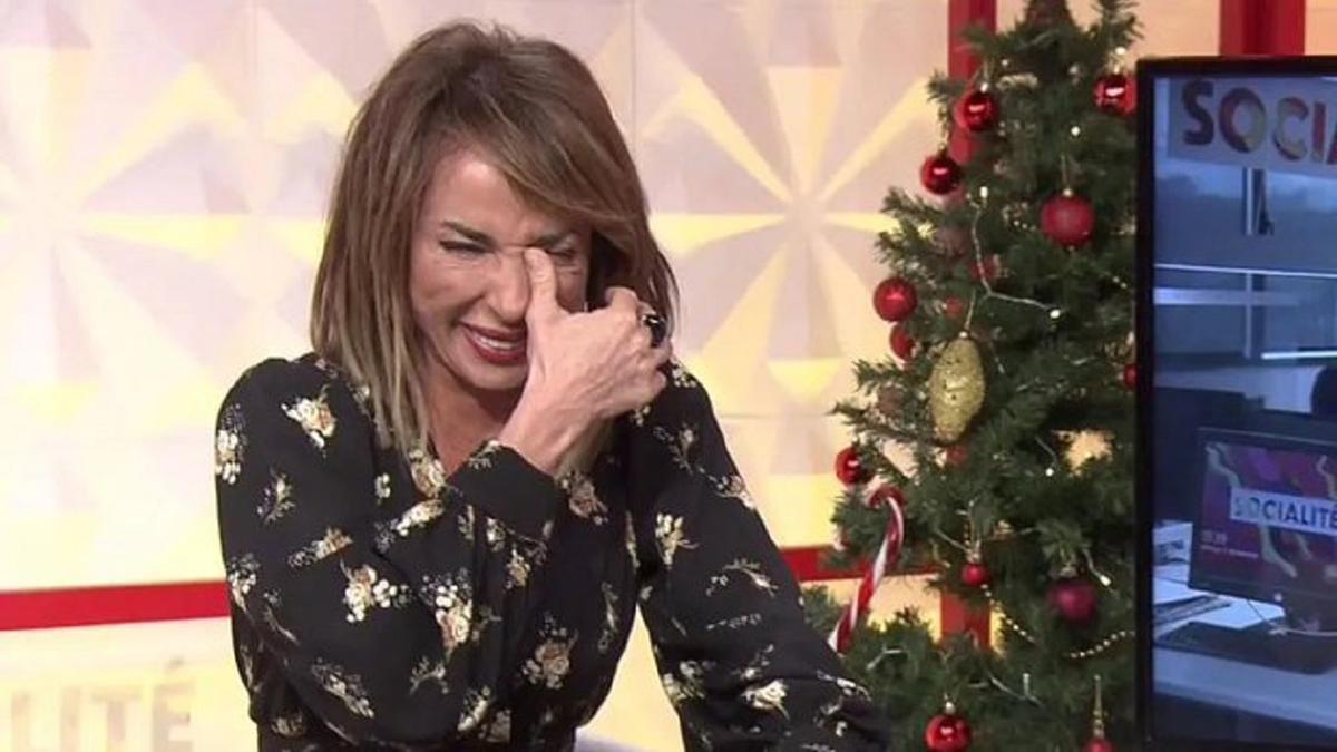 María Patiño en pleno ataque de risa en Socialité.