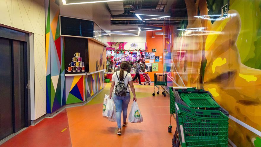 Benidorm adjudica los puestos libres del Mercat para su uso como supermercado