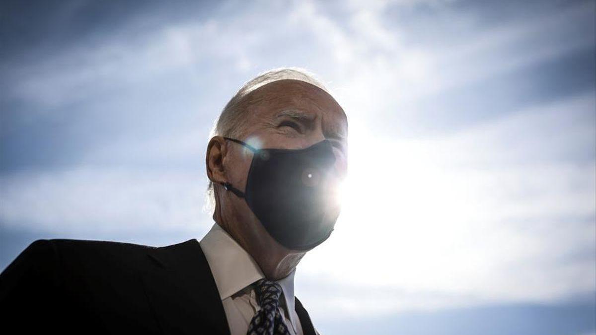 Biden aprueba con nota  en la gestión de la campaña de vacunas pero suspende en economía