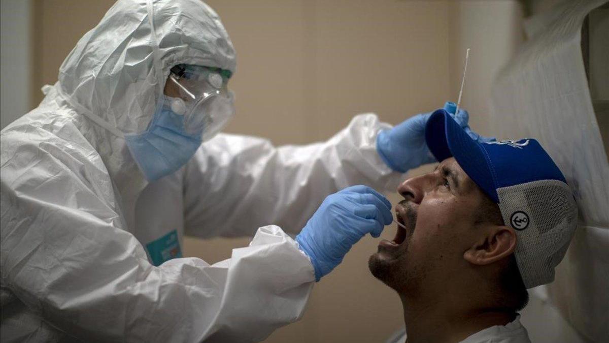 Austria exige un test para quienes regresan de 32 países de riesgo por coronavirus