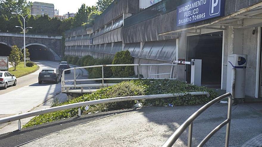 El Sabadell proyecta ceder la gestión del 'parking' de Salgado Torres a otra empresa