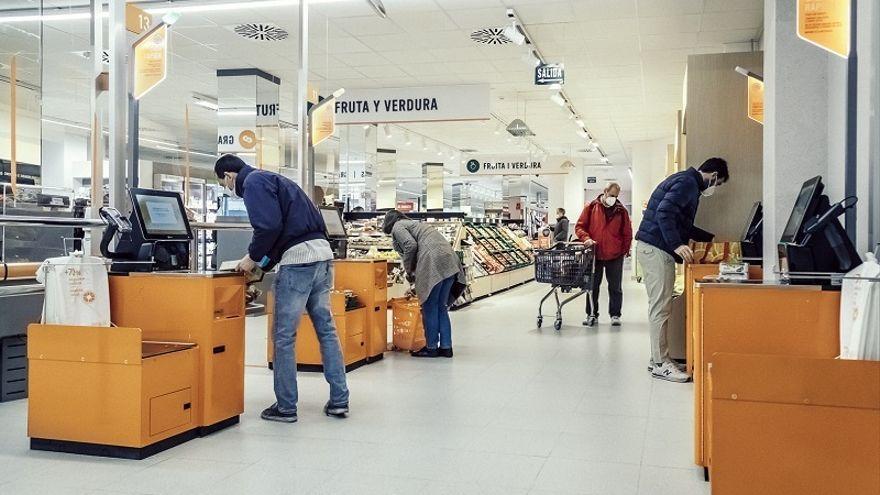 Consum instala cajas de autocobro en dos supermercados de Castellón