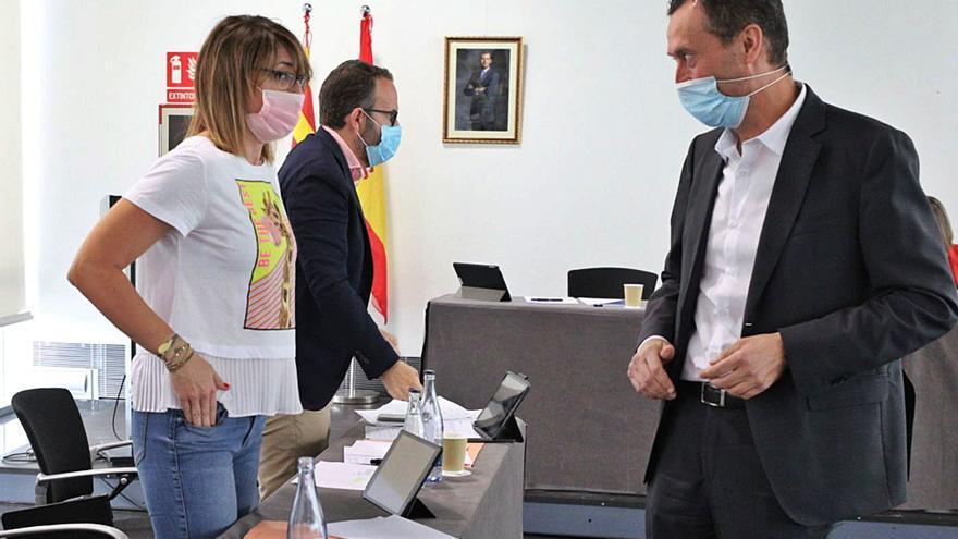 El PP acusa al equipo de gobierno de contratos irregulares por un informe de Intervención