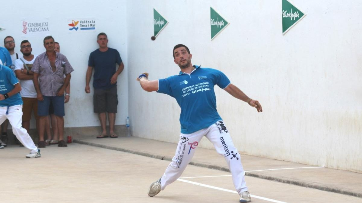 Pepet d'Alfara, mitger de Mobles Guillen Faura, semifinalista de primera.