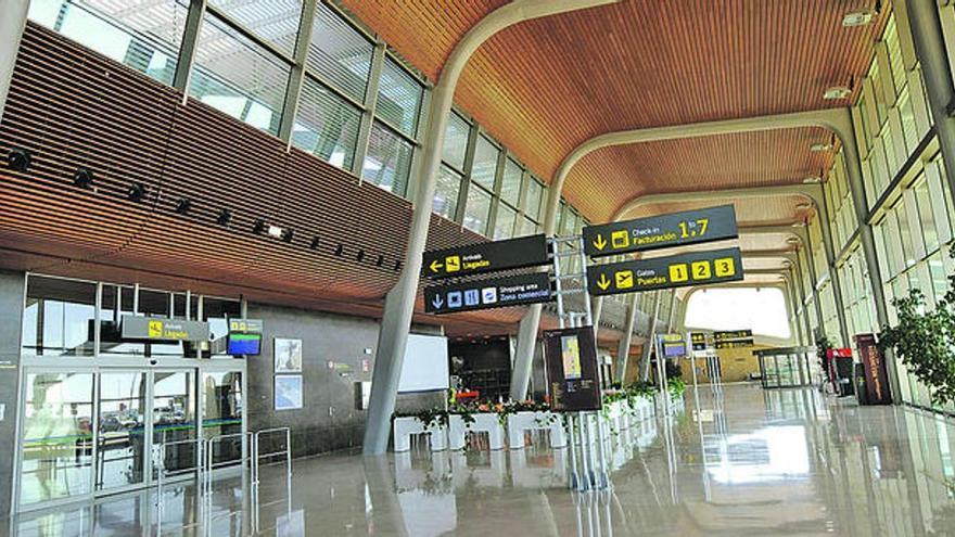 El aeropuerto de Asturias vuelve a los tiempos en los que las nubes impedían aterrizar: el efecto secundario de las obras
