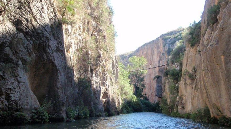 Ruta de los puentes colgantes de Chulilla.