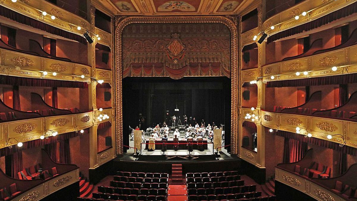 El Teatre Municipal de Girona durant la presentació de la 30a edició del festival. | ANIOL RESCLOSA