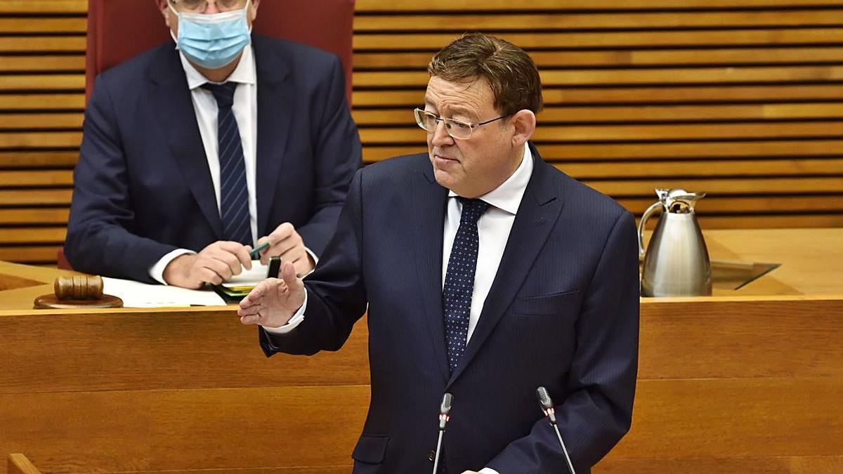 El presidente de la Generalitat, Ximo Puig, ayer en la sesión de control de las Cortes.