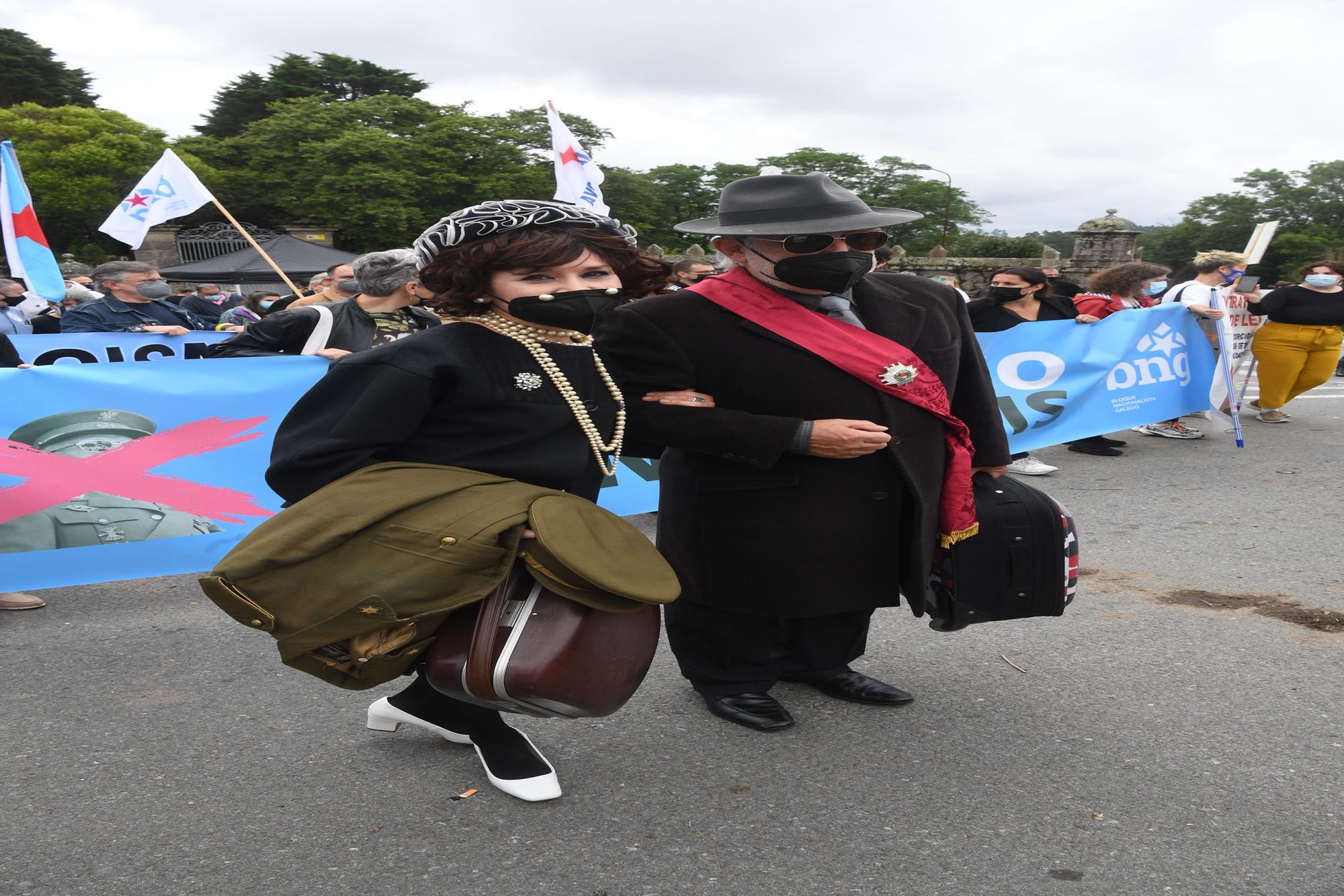 """Más de 300 personas se manifiestan contra """"nuevo expolio"""" en Pazo de Meirás"""