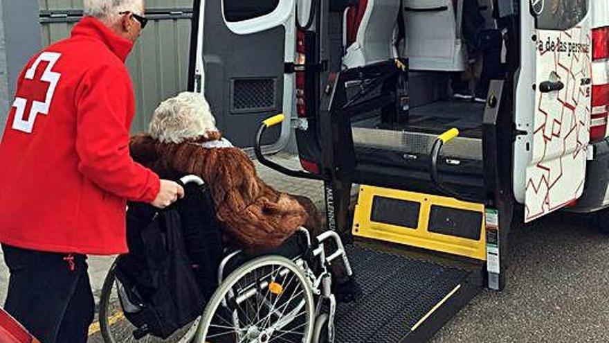 Campaña para adquirir sillas de ruedas y andadores