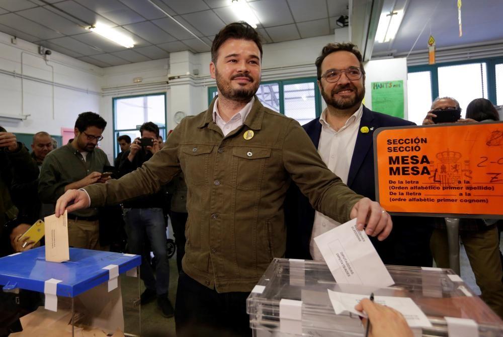 Gabriel Rufián, de ERC, votando.