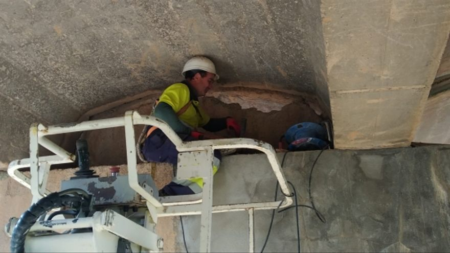 En marcha las obras de reparación del puente de Moyuela