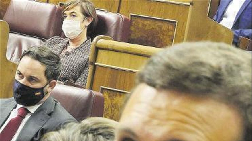 Vox aprieta pero no ahoga al PP tras la moción de censura