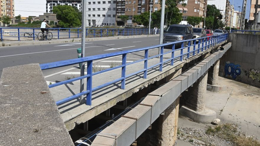 Castelló rehará el puente del cementerio para ampliar el río