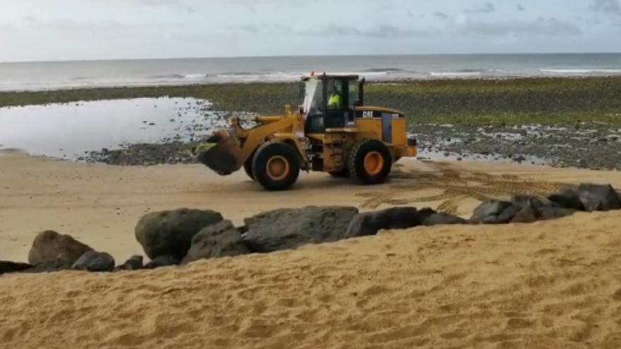 Movimiento de piedras en el Faro de Maspalomas