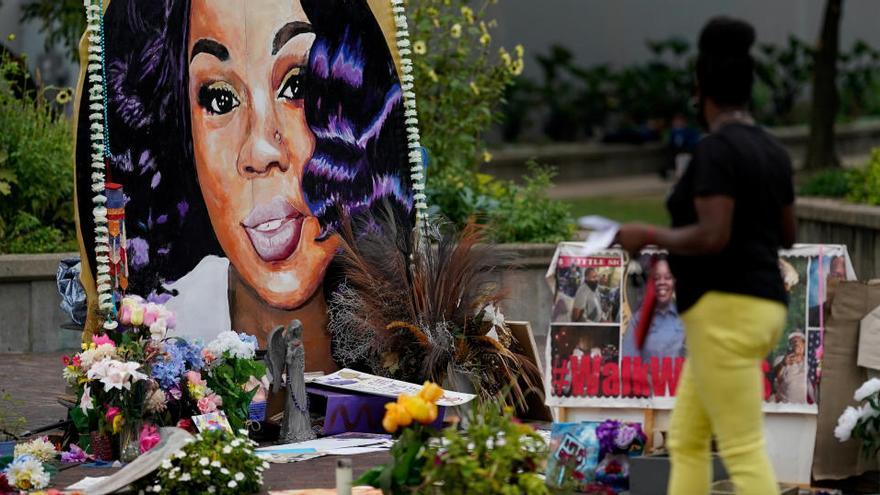 Los policías que mataron a Breonna Taylor no serán acusados de asesinato