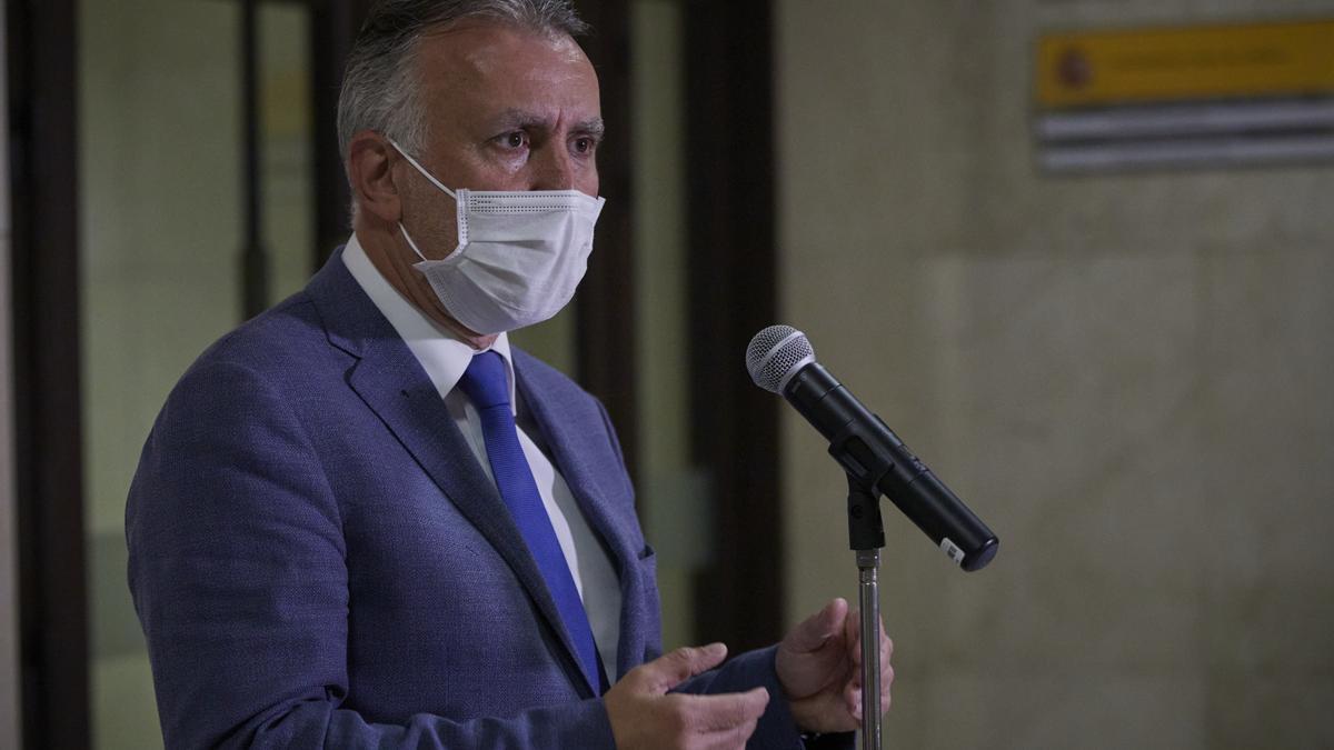 Ángel Víctor Torres en Madrid durante la rueda de prensa hoy, 2 de marzo, tras reunirse con Ábalos.