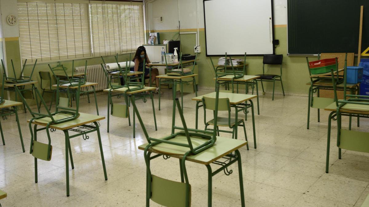 Educación contrata 700 profesores más como refuerzo para las aulas