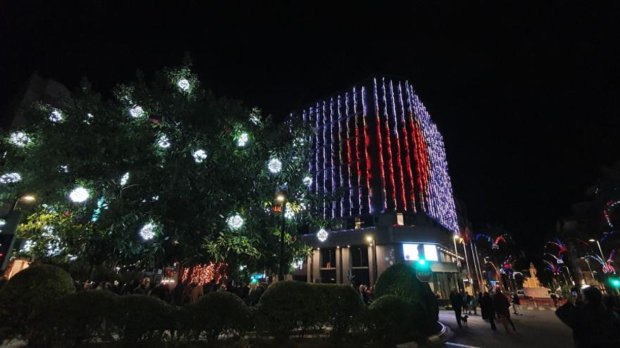 Los alumnos del IES La Marxadella  volverán a iluminar la fachada del Ayuntamiento de Torrent