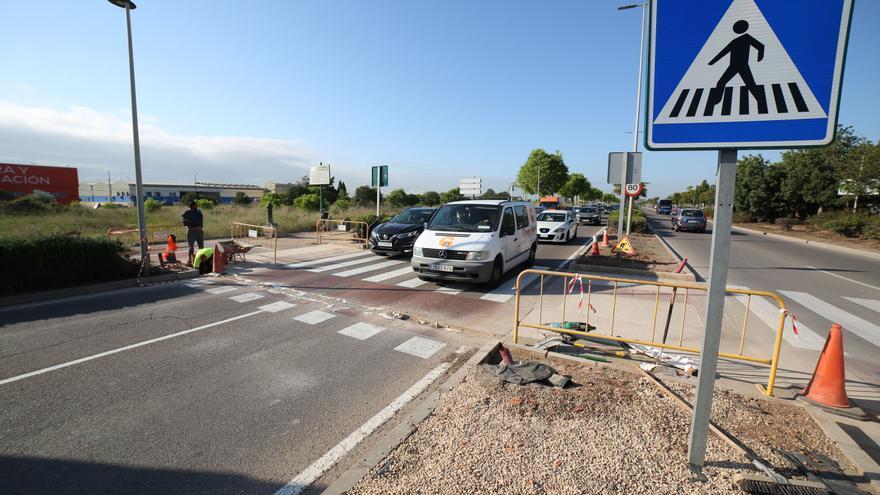 Colas en la ronda Este de Castelló por las obras de los semáforos