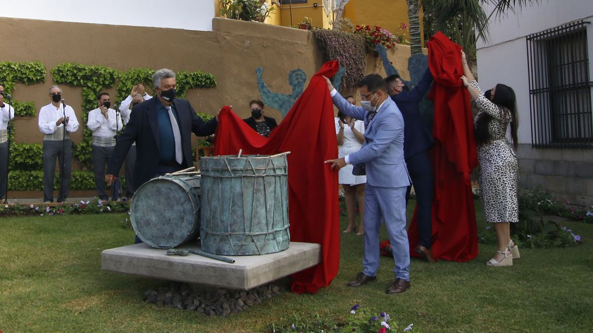 Las autoridades descubren el conjunto escultórico en honor a Sabinosa en Los Realejos