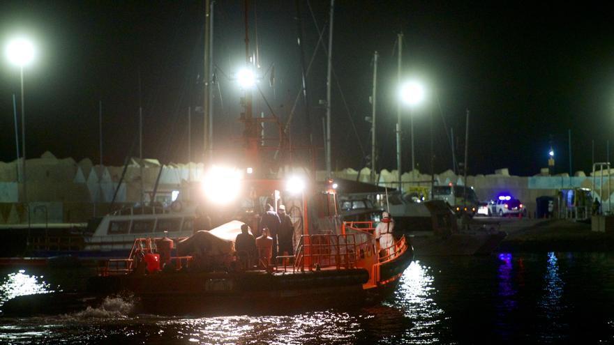 Llegan 70 inmigrantes más en seis pateras,  21 alcanzaron solos la playa