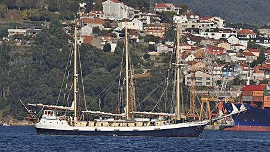 """El primer buque escuela tras la pandemia llega a Vigo: el """"Älva"""""""