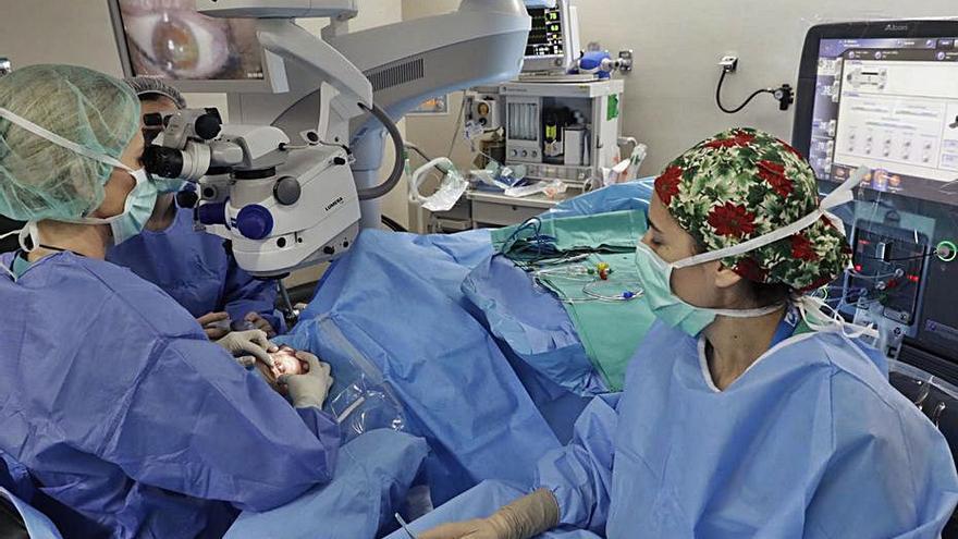 La lista de espera baja solo 3 días en septiembre pese a doblarse cirugías