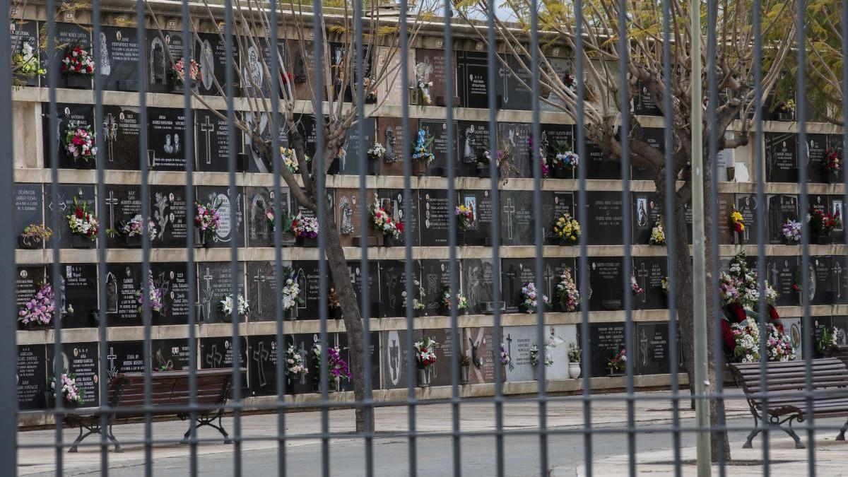 Ribó pide al Gobierno que todos los familiares directos acudan a los entierros