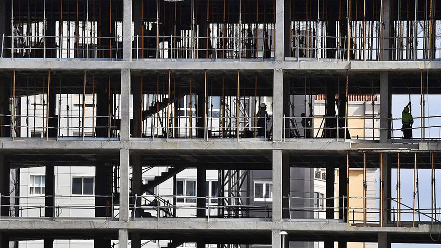 La actividad de la construcción en Galicia sigue a la baja y encadena 15 meses de caída